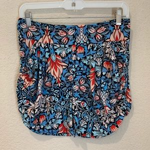 Floral wide banded pleated pocket shorts